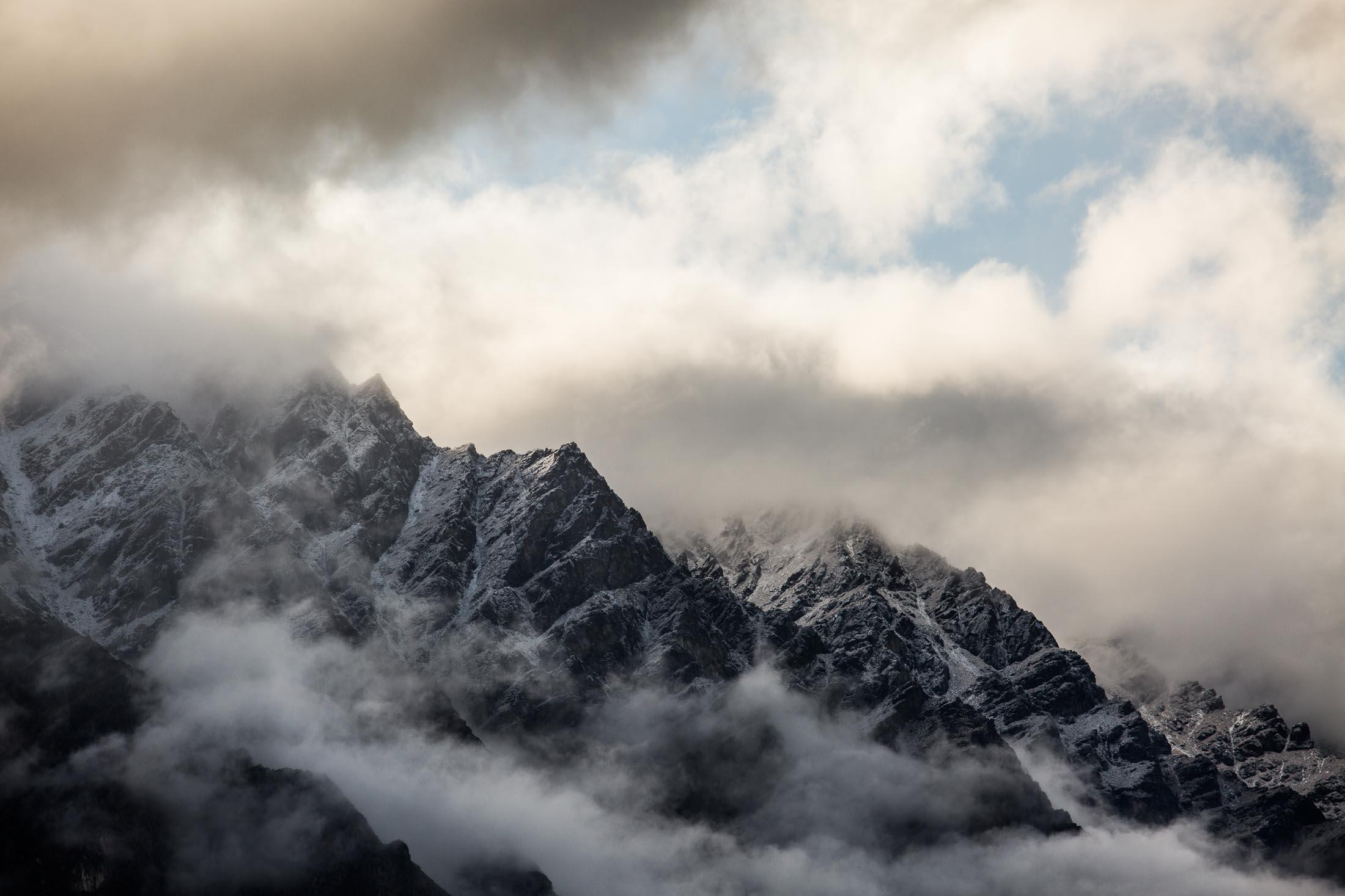 KATHMANDU NZ 20