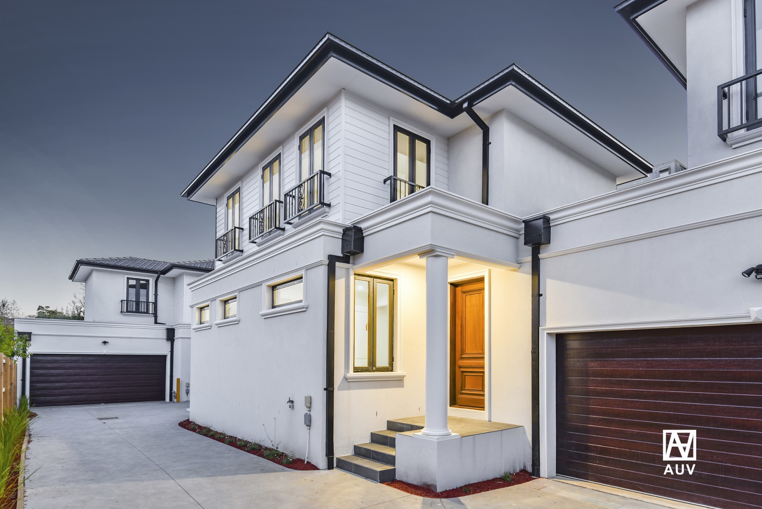 Convenient Contemporary Living in Mount Waverley