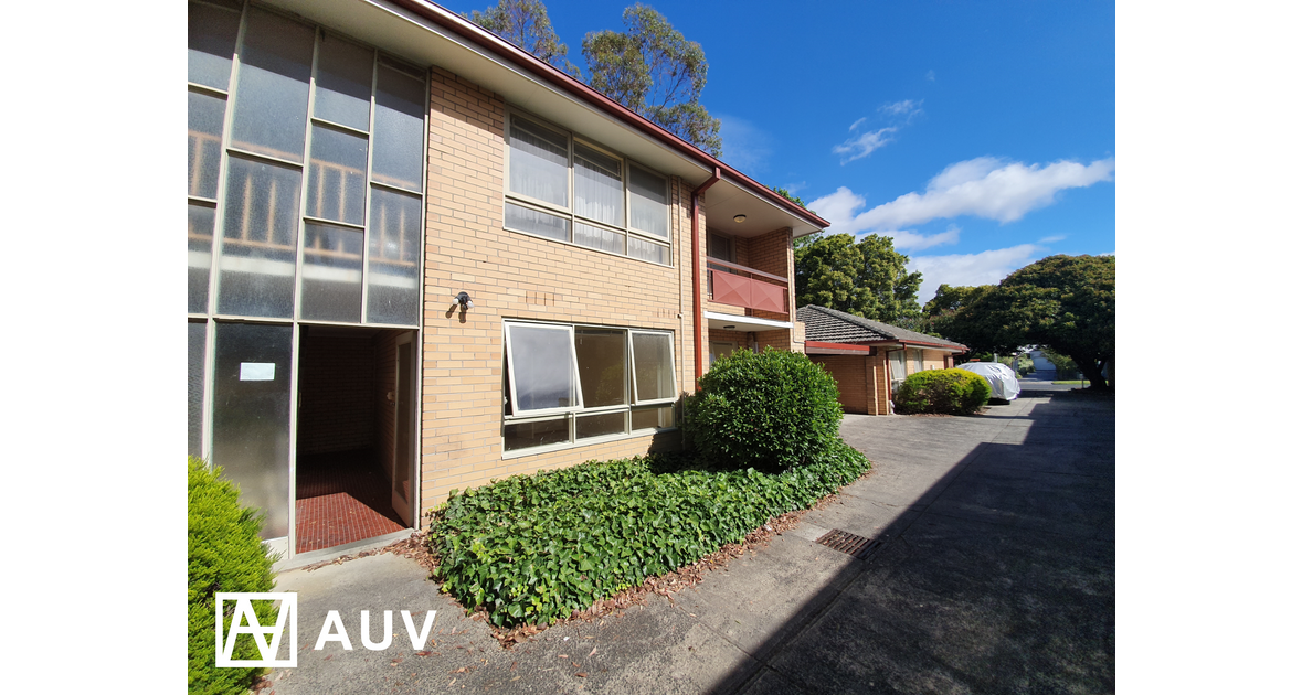 Fantastic Renovated Unit Close to Monash Caulfield Campus (Inspection by appointment only)