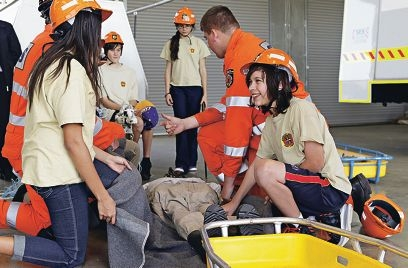 Hamilton Hill emergency services cadets learn from members of the Cockburn SES . Picture: Elle Borgward d424402