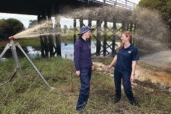 Environmental officers Christie Atkinson and Kate Bushby. Picture: Bruce Hunt www.communitypix.com.au d408925