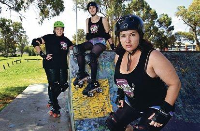Kristy Harcourt (Westy Wench) of Orelia, Melissa Rayner (no name yet) of Wellard and Keren Daly (Phoenix De Maul'er) of Mundijong. Picture: Elle Borgward www.communitypix.com.au d408445