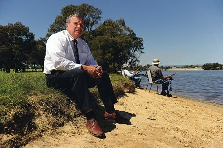City of Bayswater Mayor Terry Kenyon is concerned about future management of the Swan River. Picture: Marcus Whisson www.communitypix.com.au d408916