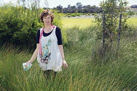 Joanna Rawlinson is proud of her suburb and has organised an |educational walk about local plants and animals. d408904