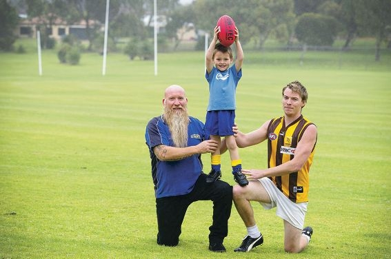 Doug Thorncroft (left) with son Damien and grandson Jaycob Picture: Emma Reeves www.communitypix.com.au d407559