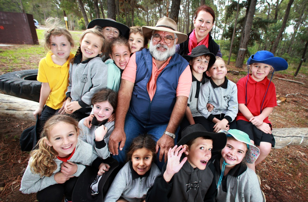 Noel Nannup with year 2 and 3 students and teacher Danielle Murphy. Picture: David Baylis www.communitypix.com.au d453382