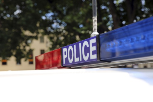 Police hunt for attacker after Armadale man stabbed