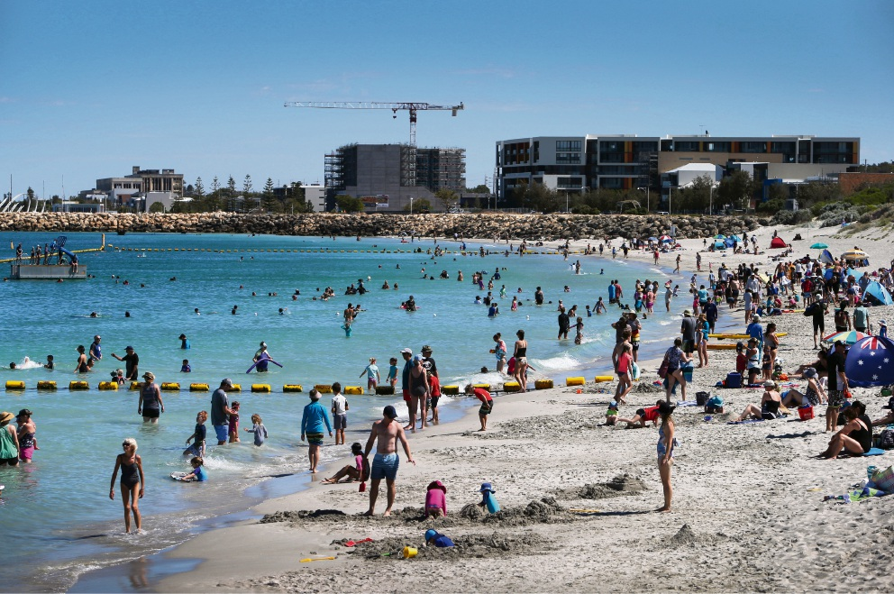 Coogee Beach will be packed once again this Australia Day. Picture: Matt Jelonek. www.communitypix.com.au. d463707