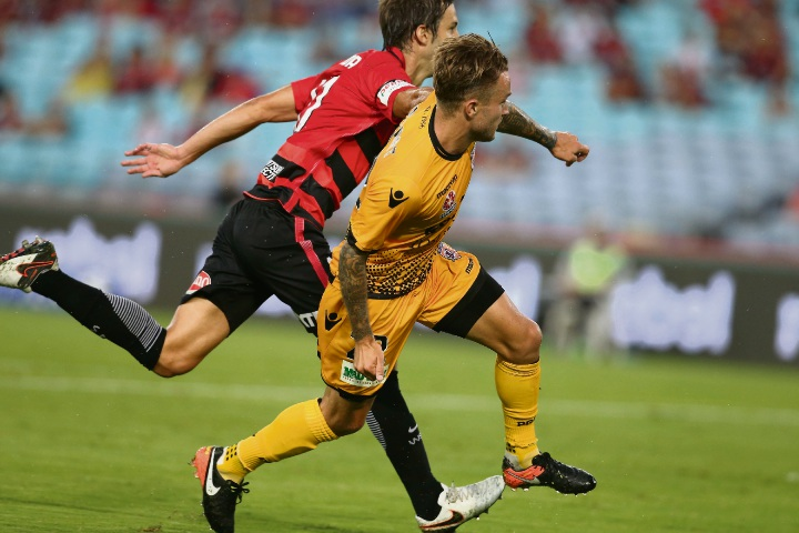 Adam Taggart scores for Glory against the Wanderers. Picture: Getty Images