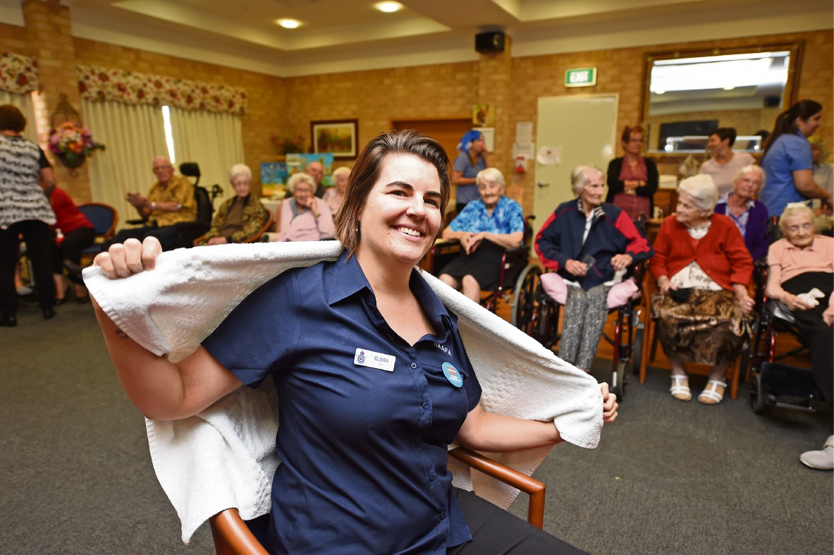 World's Greatest Shave: Meadow Springs RAAFA therapist gets a buzz out of fundraising