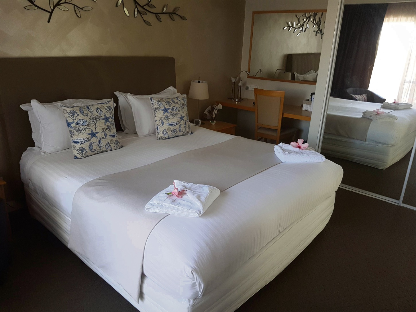 Burns beach bed and breakfast wins customer satisfaction for Beds joondalup