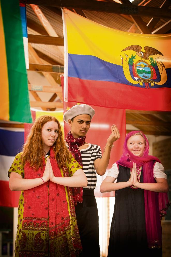 Taylor Sherratt (15), Koal Solomon-Te Whaiti (18) and Caitlyn Palmer (17). Picture: Will Russell www.communitypix.com.au   d469381