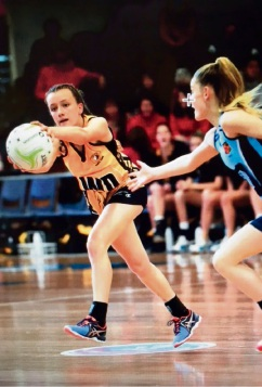 Meadow Springs netball Ella Sigley in action.