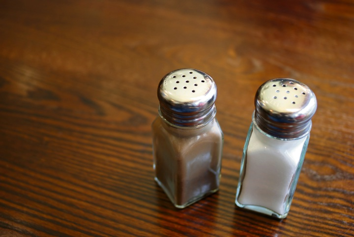 "Mandurah cafe responds to Facebook ""storm"" in a pepper shaker"