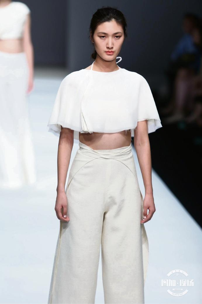 Perth fashion design graduates forge partnership with China