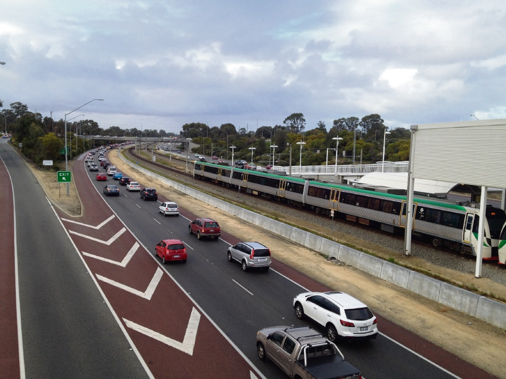 Morning traffic on the Mitchell Freeway in Edgewater.