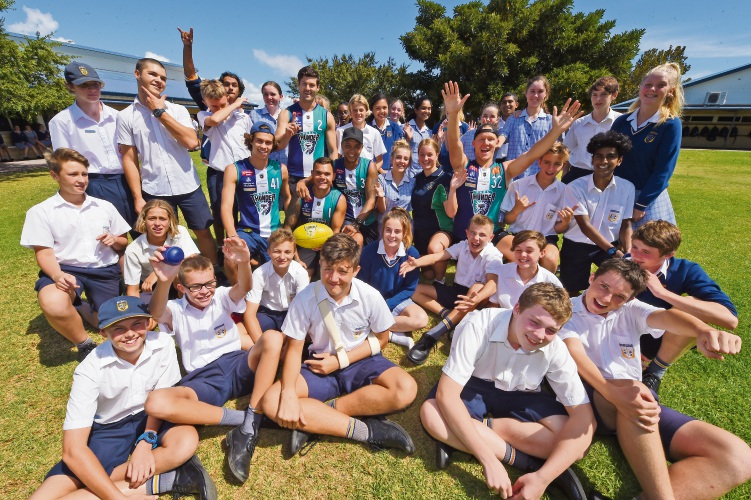 Mandurah Baptist Year 9s with Peel Thunder players. Picture: Jon Hewson www.communitypix.com.au d480677