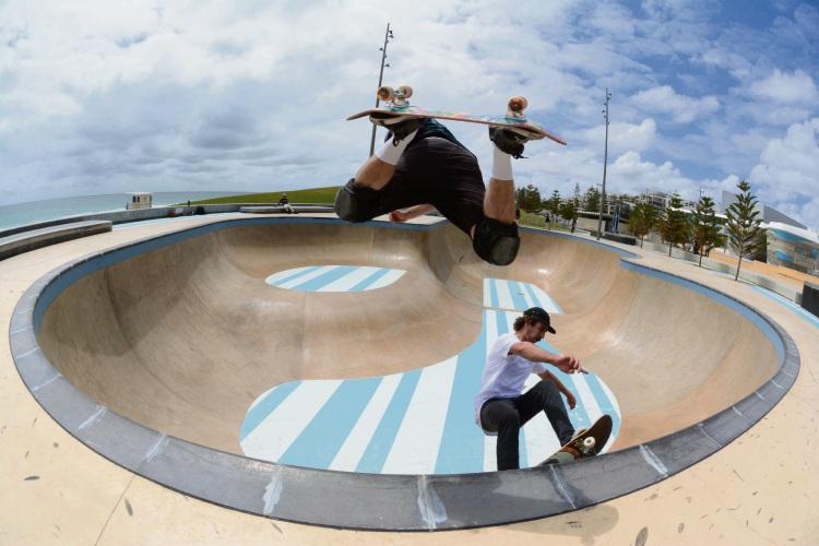 Michael Shanahan and Sam Farrelly preparing for Groundswell Surf and Skate Festival. Photo: Oska Tallis