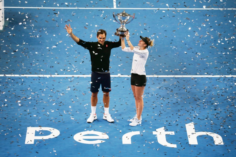 Roger Federer and Belinda Bencic win the 2019 Hopman Cup Picture: Andrew Ritchie www.communitypix.com.au   d489817