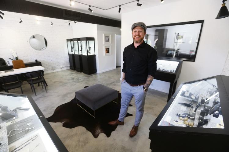 Scott Broadley (Broadleys Fine Jewellery) in his new store Picture: Andrew Ritchie www.communitypix.com.au   d489859