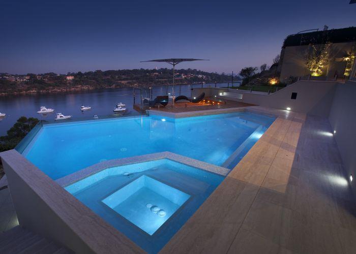 Ritz Exterior Design: inspirational and functional