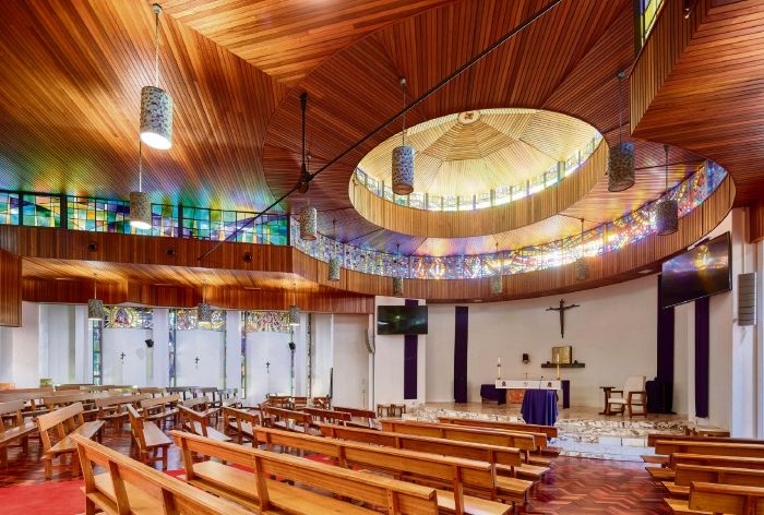 The renovated Aquinas chapel won a national Master Builders Australia award.