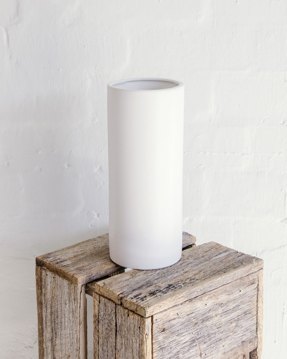 White-vase-matte