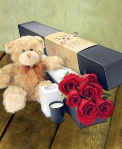 Valentines teddy with roses