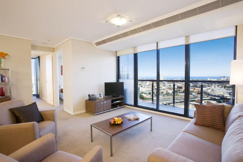 melbourne short stay apartments southbank flight centre. Black Bedroom Furniture Sets. Home Design Ideas