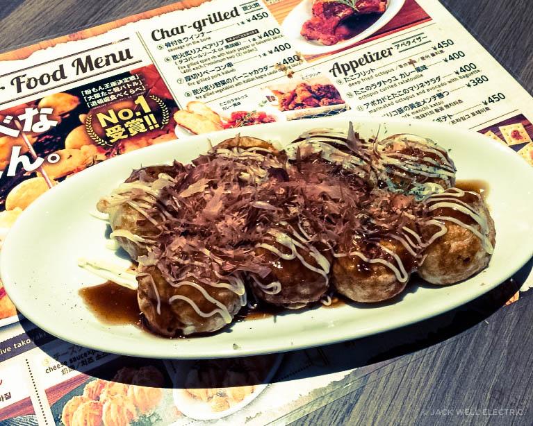 jwe-trying-takoyaki-5
