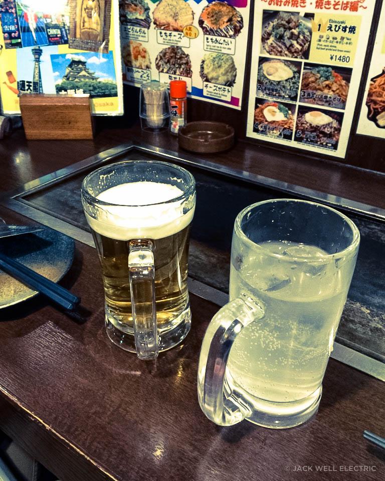 jwe-trying-takoyaki-3