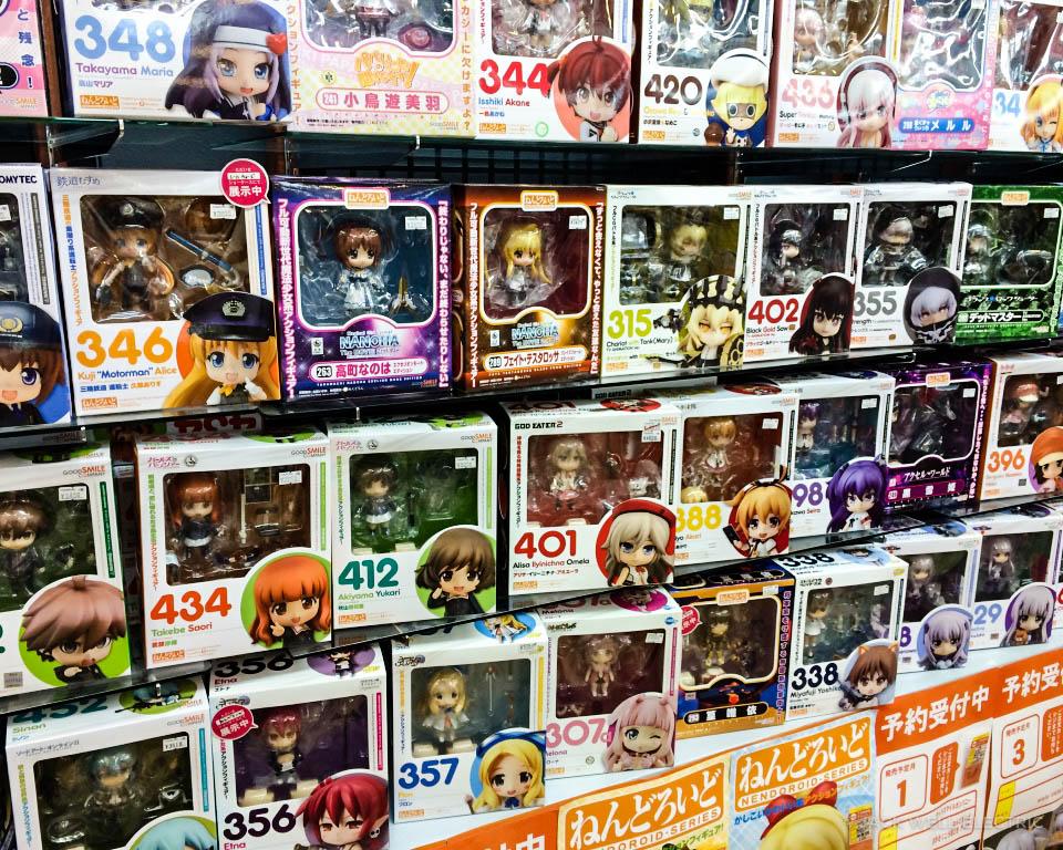 jwe-visiting-osakas-otaku-paradise-3