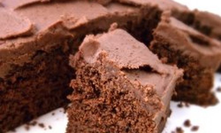 How to make an everyday chocolate cake - Kidspot