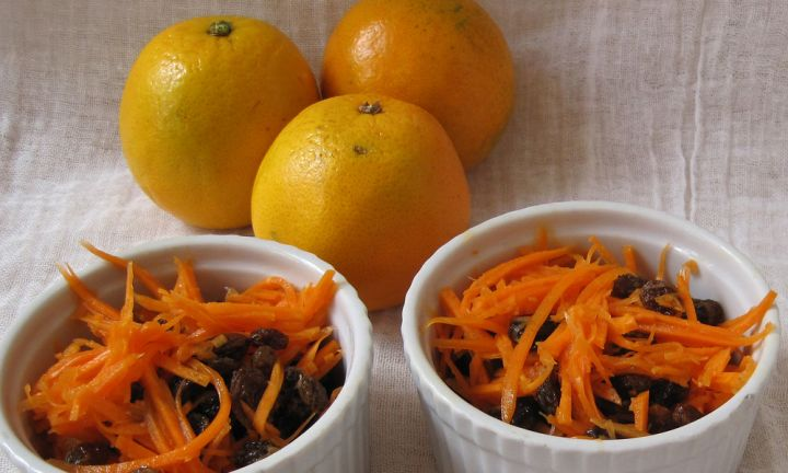 Carrot and sultana salad for toddlers