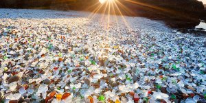 Mother Nature Transforms The Polluted Ussuri Bay into a Beautiful Glass Beach