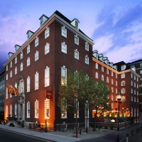 TRAVEL_London_Stay_Bloomsbury_Hotel_ Exterior_Evening