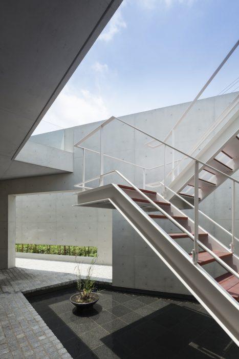 Kishi Stair Low