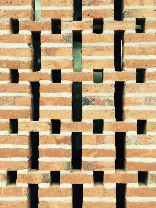 Stone Jali Elevation : Laurie baker — brick genius more margie