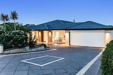 Property in COOGEE, 8 Rhodes Rise