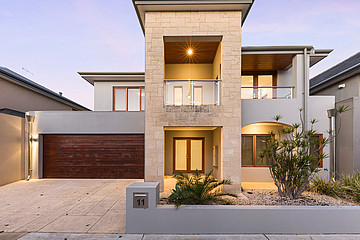 Property in NORTH COOGEE, 11 Barrow Crescent