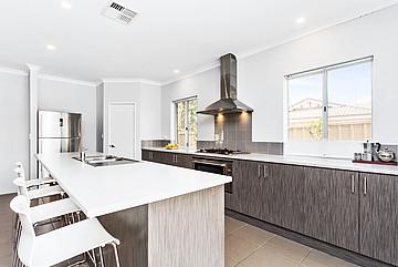 Property in HAMILTON HILL, 45D Stratton Street