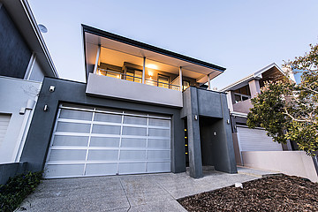 Property in NORTH COOGEE, 6 Mewstone Crescent