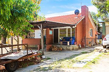 Property in HAMILTON HILL, 12 Cutts Street