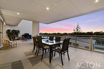 Property in NORTH COOGEE, 2/52 Rollinson Road