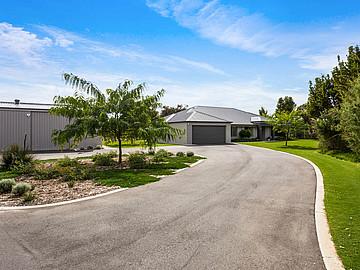 Property in WANDI, 37 Frayne Place (5.29 acres)