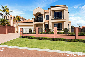 Property in COOGEE, 4 Charlotte View