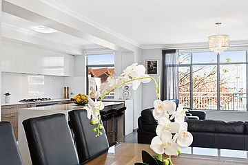 Property in NORTH COOGEE, 45 Pantheon Avenue