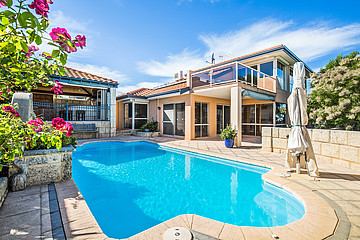 Property in COOGEE, 21 Careening Way