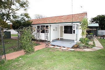 Property in COOLBELLUP, 1 Hawkes Street