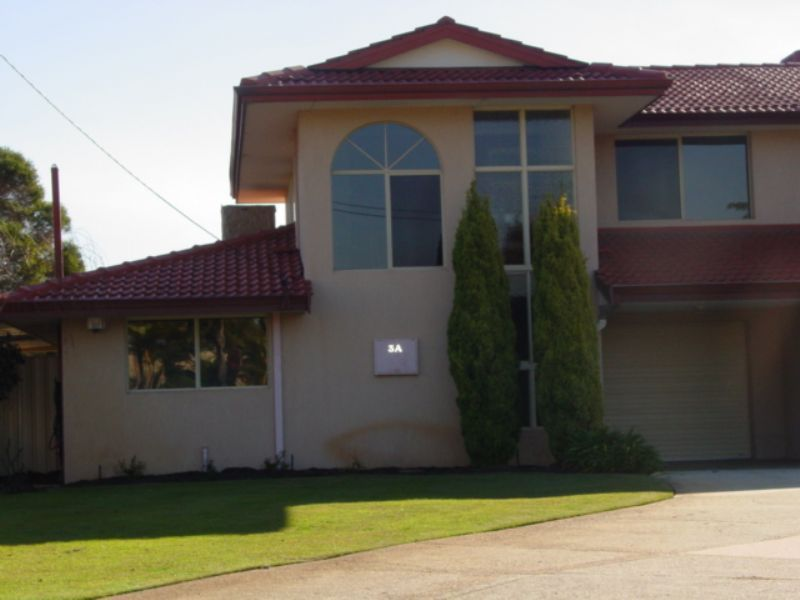 3a Hassell Court